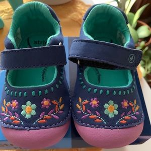 Toddlers stride rite floral memory foam shoes
